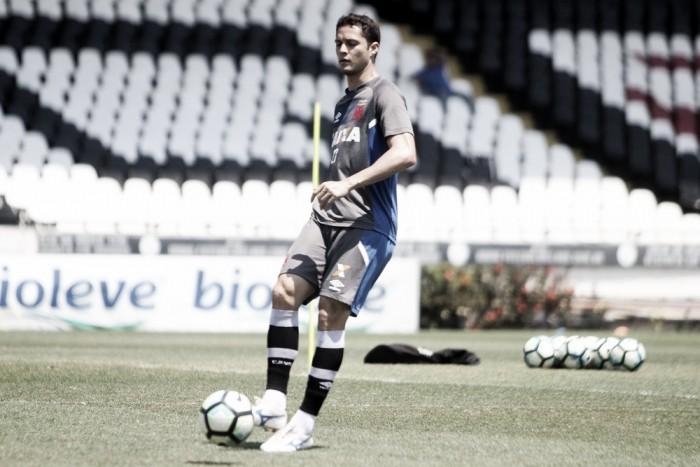 Insatisfeito e com interesse de clubes paulistas, Anderson Martins busca rescisão com o Vasco
