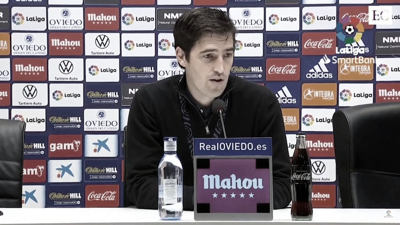 Andoni Iraola en rueda de prensa tras el Oviedo-Rayo Vallecano . Foto: LaLiga