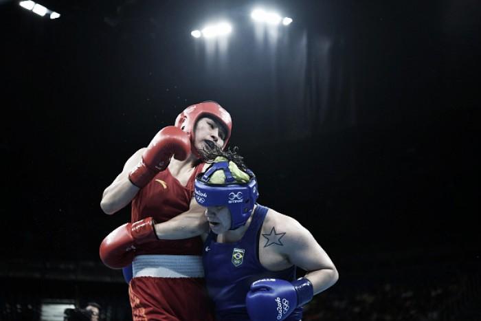 Andreia Bandeira perde para chinesa Qian Li e dá adeus ao sonho da medalha no boxe