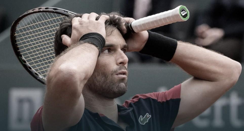 Em sua estreia na temporada de saibro, Federer cai para Andújar em Genebra