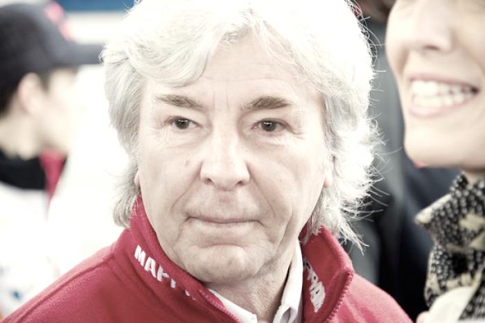 El Real Madrid condecora al ex piloto fallecido Ángel Nieto