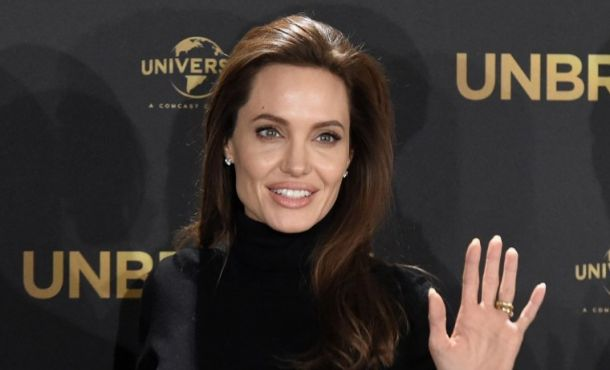 Angelina Jolie dirigirá 'First The Killed My Father'