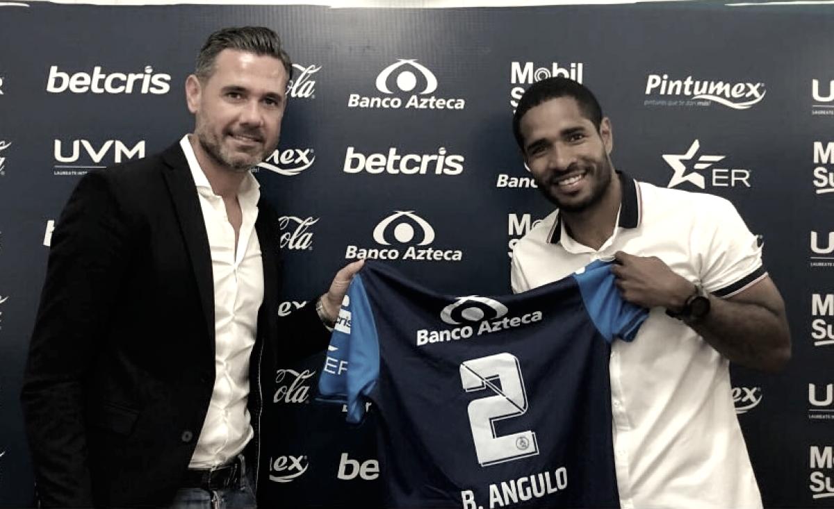 Brayan Angulo renueva por tres años con el Club Puebla
