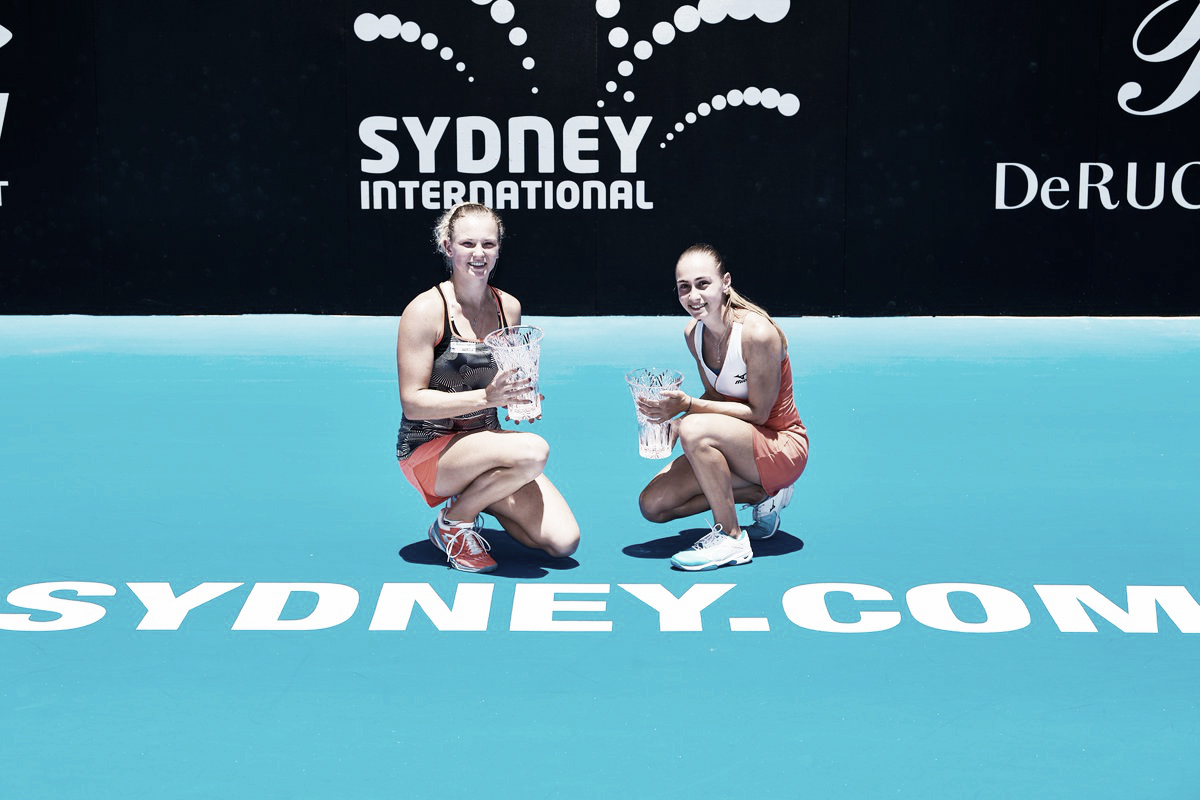 Em final de dois dias, Siniakova/ Krunic vencem Rosolska/Hozumi e conquistam WTA de Sydney
