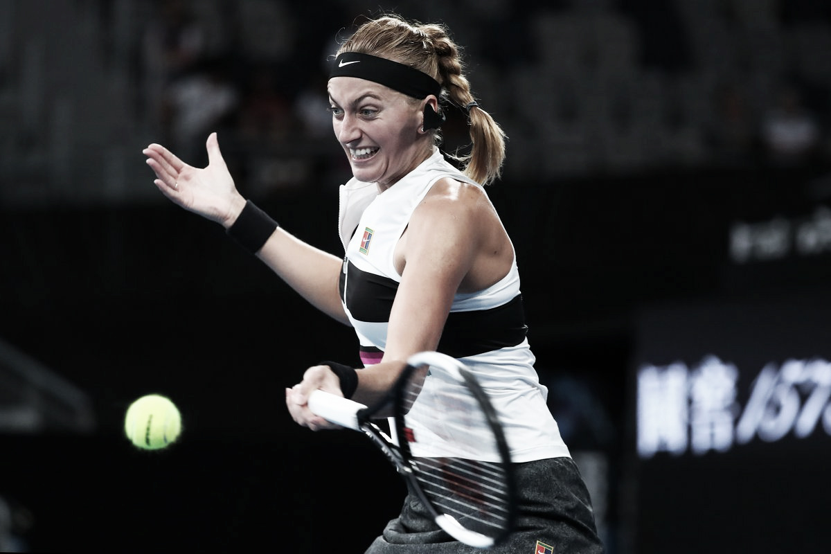 Kvitova arrasa Bencic e avança à segunda semana do Australian Open
