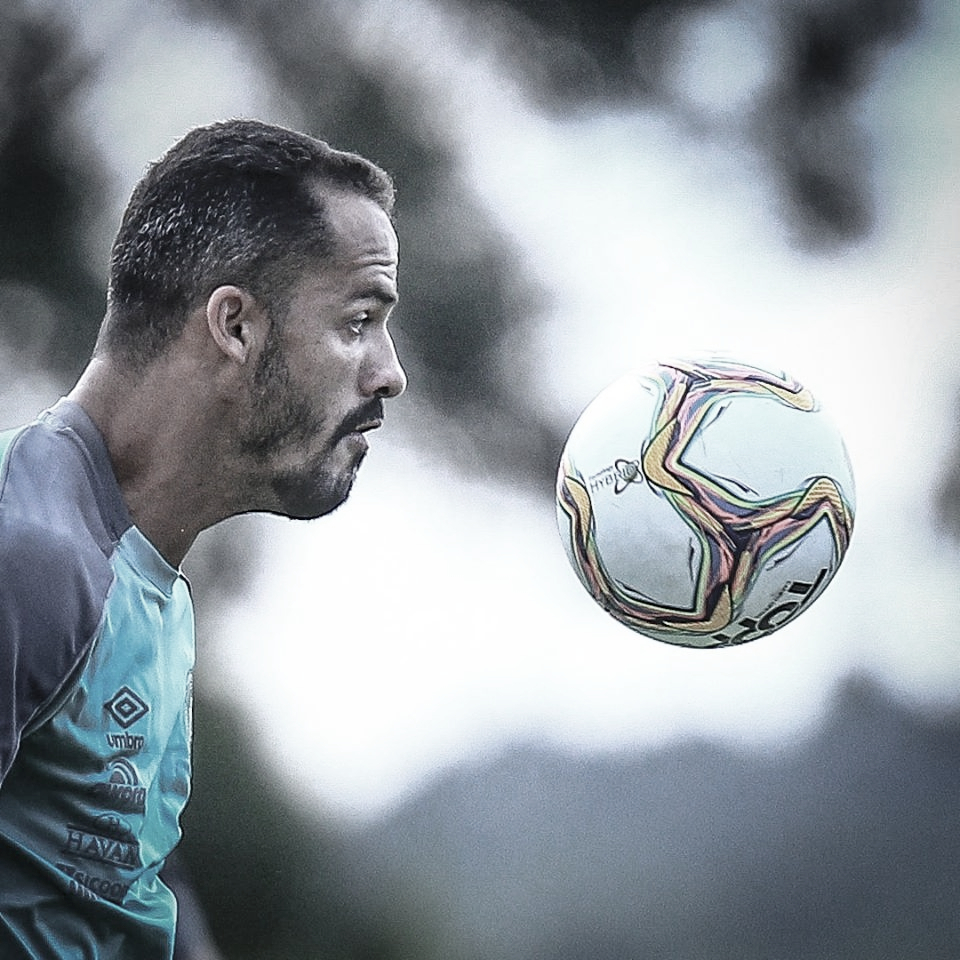 Anselmo Ramon elogia trabalho da Chapecoense no retorno aos treinamentos