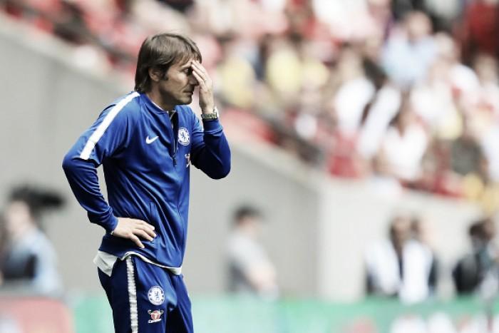 """Conte lamenta fracasso na Supercopa e defende Courtois: """"É um de nossos melhores batedores"""""""