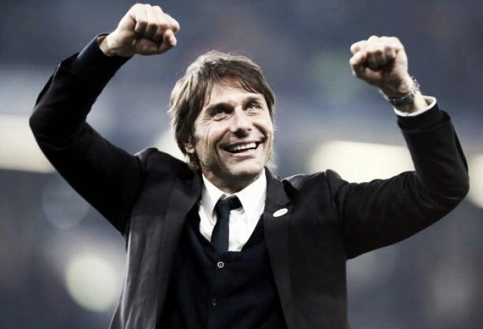 Campeão da Premier League, Antonio Conte estende contrato com Chelsea