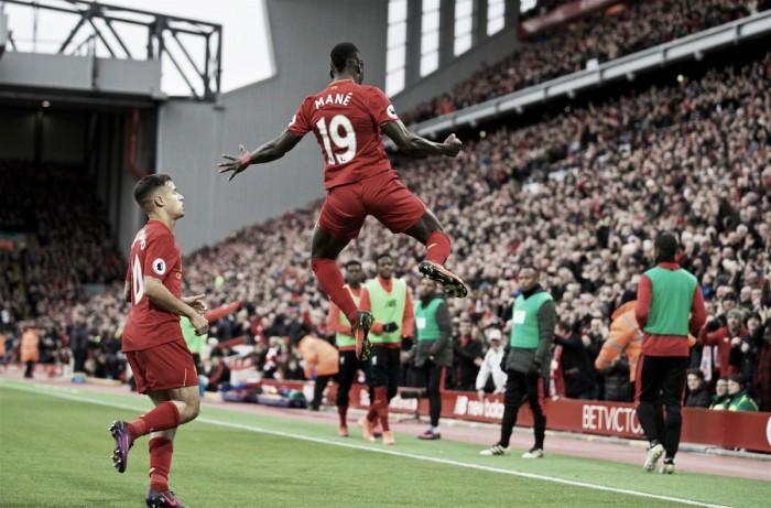 Liverpool goleia Watford e lidera de forma isolada a Premier League