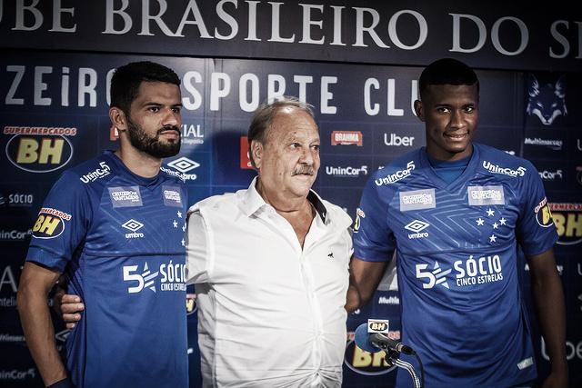 a94c1a9070 Novos na área  Cruzeiro apresenta Jadson e Luis Orejuela - VAVEL.com