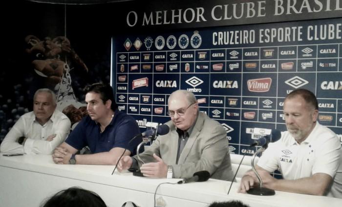 """Gilvan Tavares explica retorno de Mano Menezes ao Cruzeiro: """"Risco de rebaixamento era grande"""""""