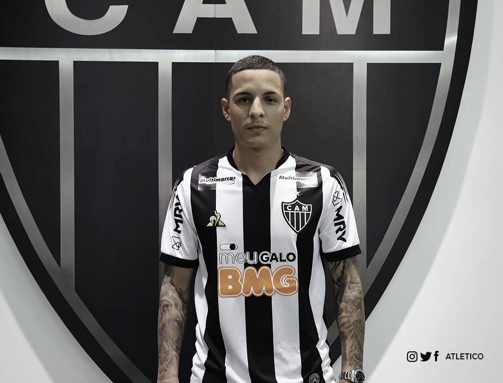 Atlético-MG oficializa contratação de Guilherme Arana, ex-Sevilla