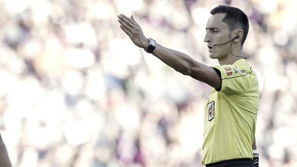 Sánchez Martínez, un árbitro de carácter en su cuarto clásico