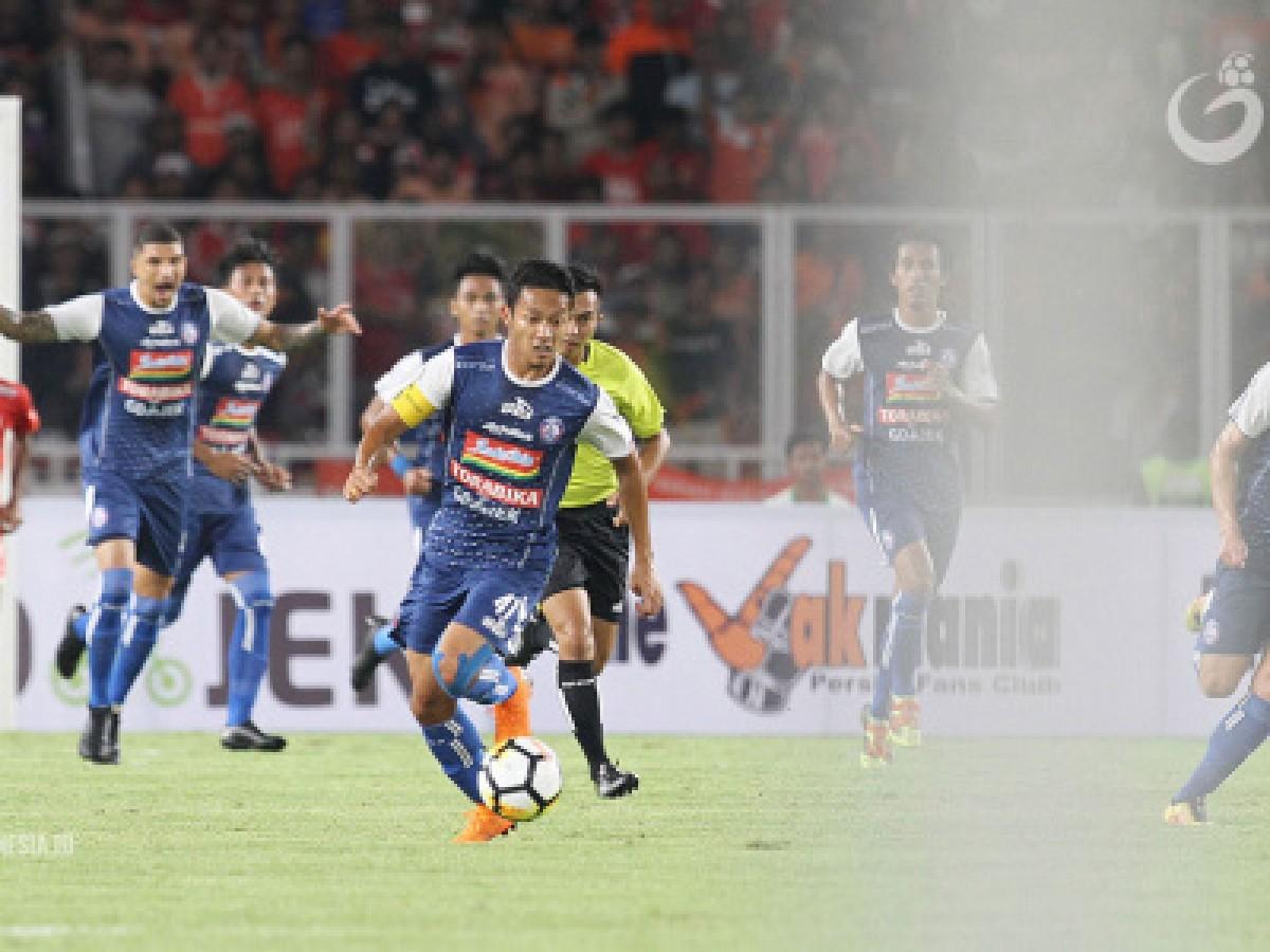 Arema FC Coret Pelatih Kiper dan Gelandang Asing