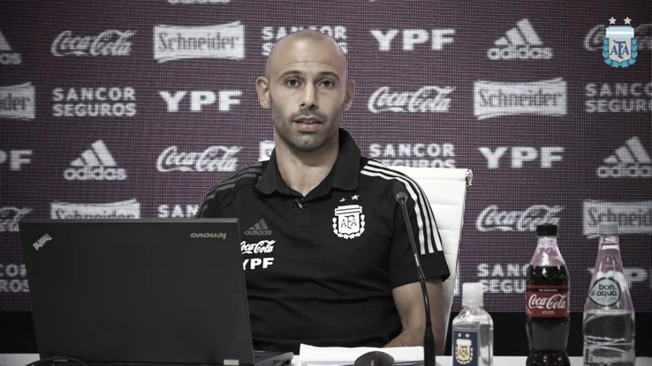 """COMO EN CASA. Desde Ezeiza, """"Masche"""" presentó un Programa para alinear a todas las Juveniles de la Selección Argentina. Foto: Prensa AFA."""