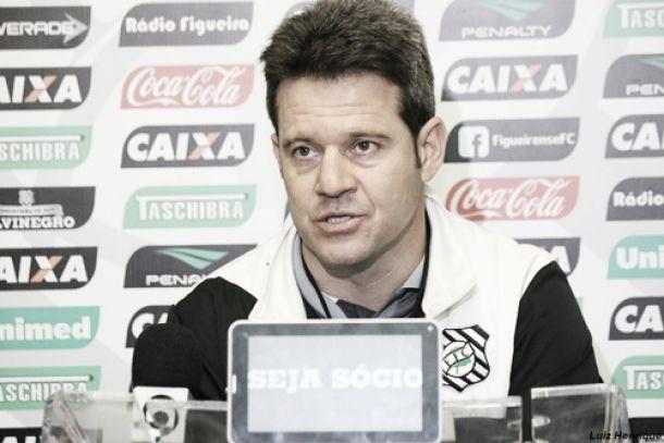 Para enfrentar o São Paulo, Argel Fucks confirma Figueirense com Paulo Roberto e Dener