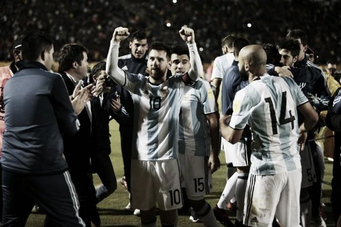 """Após atuação lendária, Messi prevê dias melhores na Argentina: """"Seleção vai ser outra na Copa"""""""