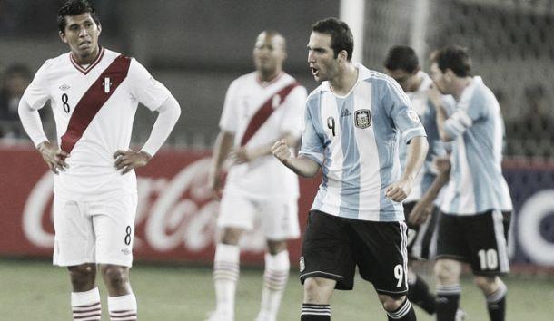 Resultado Argentina vs Perú por Eliminatorias (2-2)