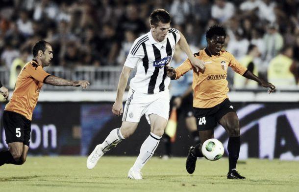 Benfica e Braga disputam central Vojislav Stankovic