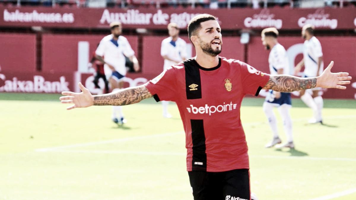 El RCD Mallorca vuelve a alzar los brazos tras golear al Tenerife