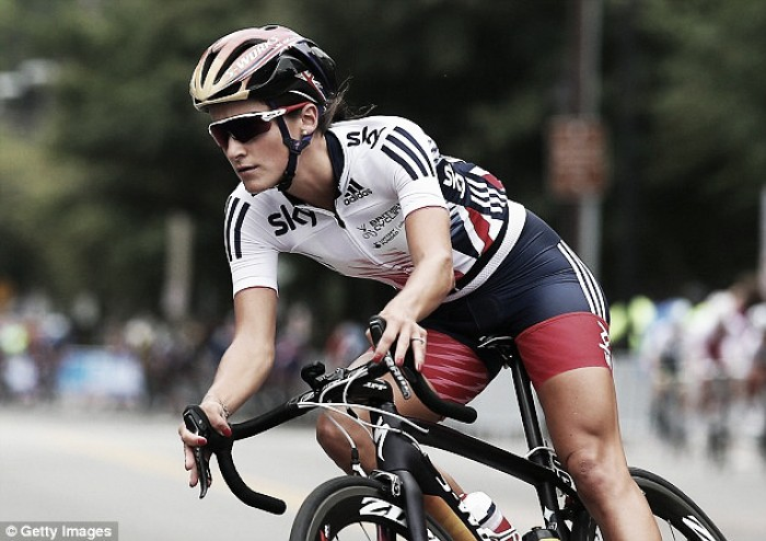 Lizzie Armitstead proving the 'curse' of the Rainbow Jersey doesn't apply