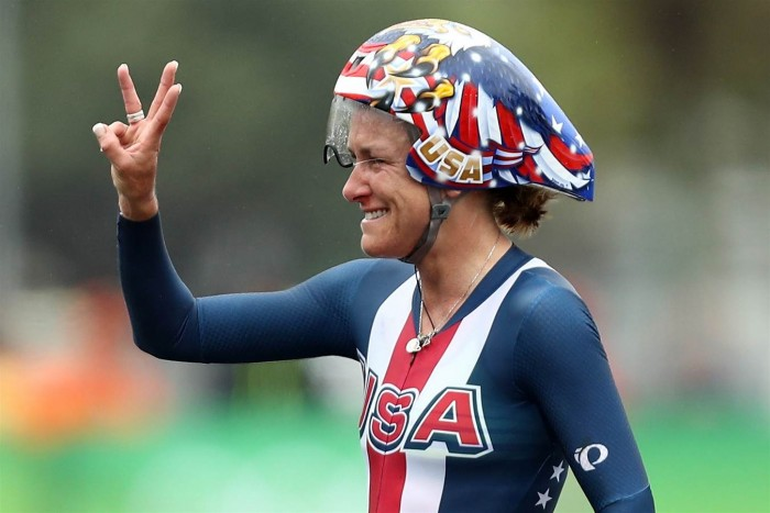 Três vezes campeã olímpica, Kristin Armstrong faz história no ciclismo