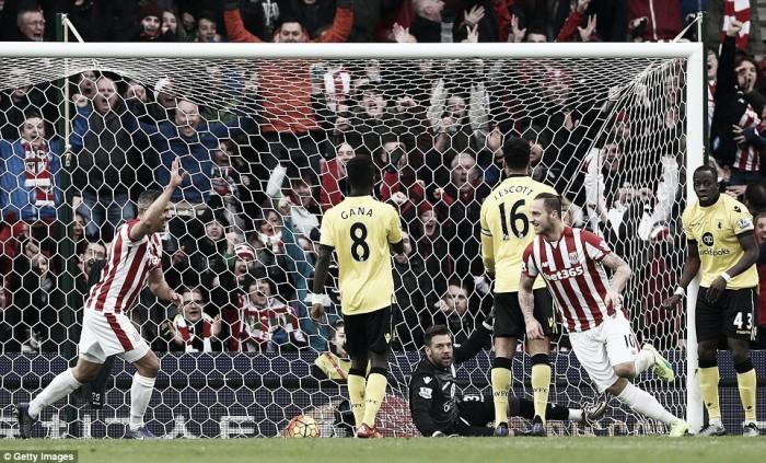 Stoke City 2-1 Aston Villa: Garde's men defeated despite late fightback