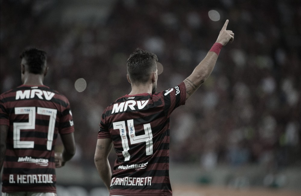 Com show de Arrascaeta, Flamengo derrota Grêmio no Maracanã
