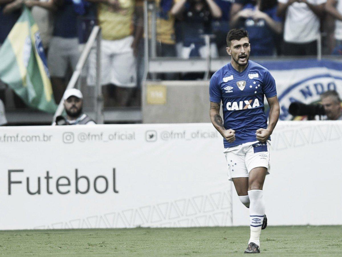 Em clássico violento dentro de campo, Cruzeiro reverte vantagem do Atlético é conquista Mineiro