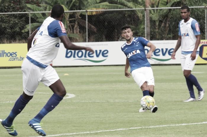 Arrascaeta quer Cruzeiro atento diante do Campinense e elogia trabalho do interino Delamore