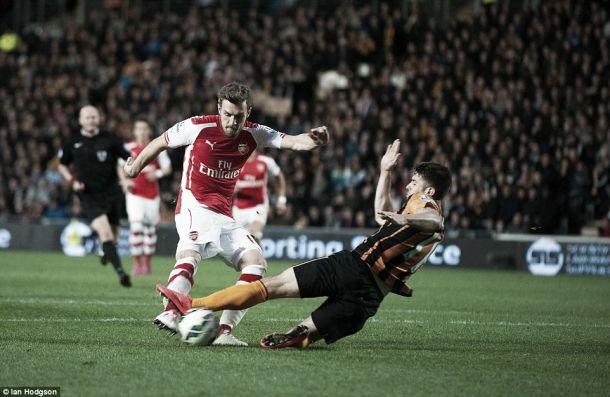 Premier League: Arsenal vence Hull e aponta ao segundo lugar