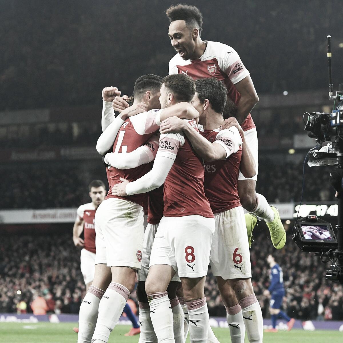 Arsenal vence Chelsea e se aproxima do Top 4 da Premier League