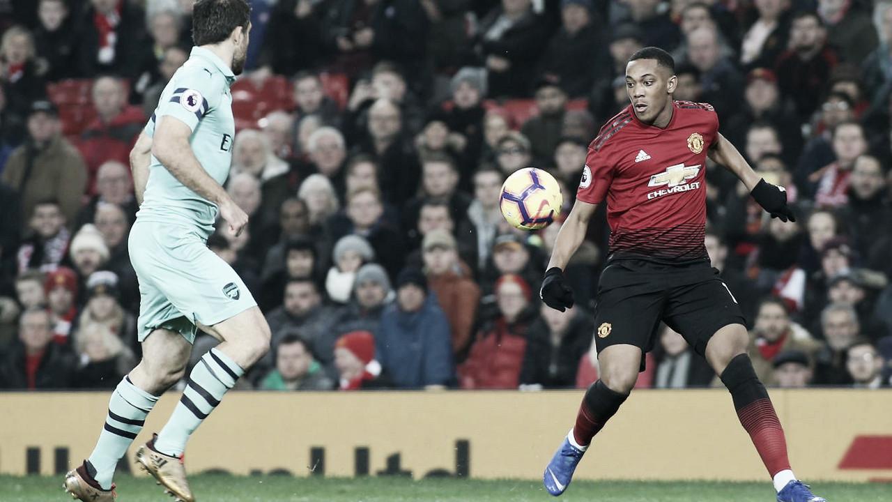 Manchester United e Arsenal empatam em clássico cheio de erros individuais