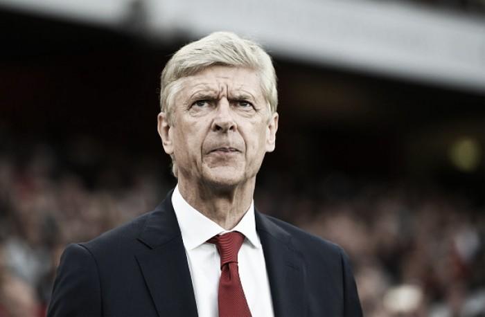 Wenger revela que Giroud preferiu ficar no Arsenal mesmo com 'aval' para deixar clube