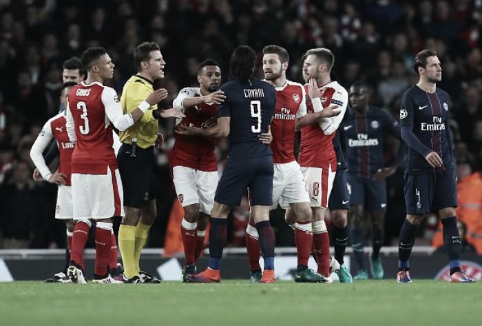 Em jogo polêmico, Lucas marca e PSG arranca empate do Arsenal na Inglaterra