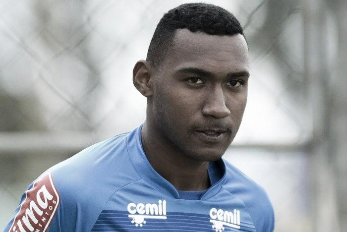 Arthur faz primeira partida no profissional do Cruzeiro e recebe elogios de Mano