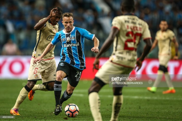 Report: Man United tracking young Grêmio midfielder Arthur