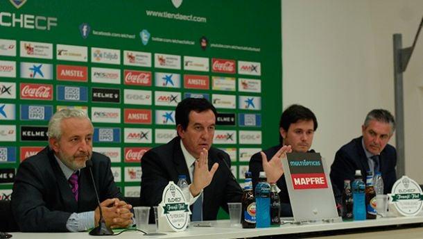 Juan Anguix presenta su dimisión como presidente del Elche CF