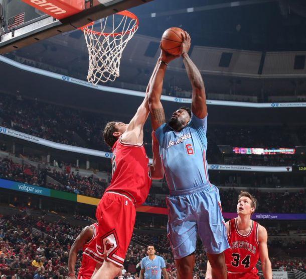 8a8c19c192d6 DeAndre Jordan Dominates as Los Angeles Clippers Defeat Chicago Bulls 96-86