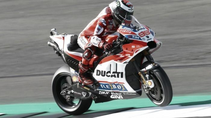"""MotoGP, Lorenzo: """"Non è ancora il momento per giochi di squadra"""""""