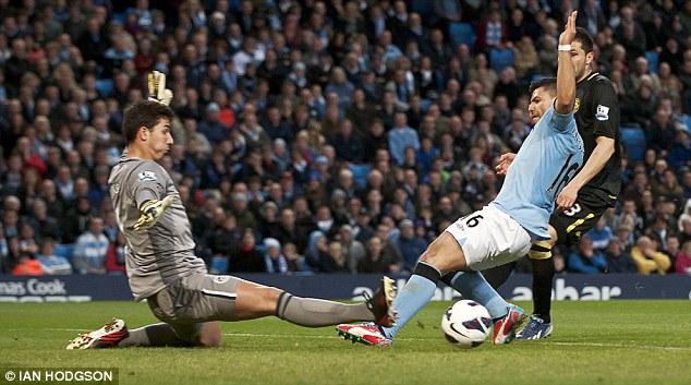 Com gol no final, City vence Wigan em prévia da final da FA Cup