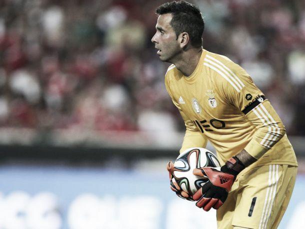 Benfica e Sporting empatam na Luz com erro clamoroso de Artur