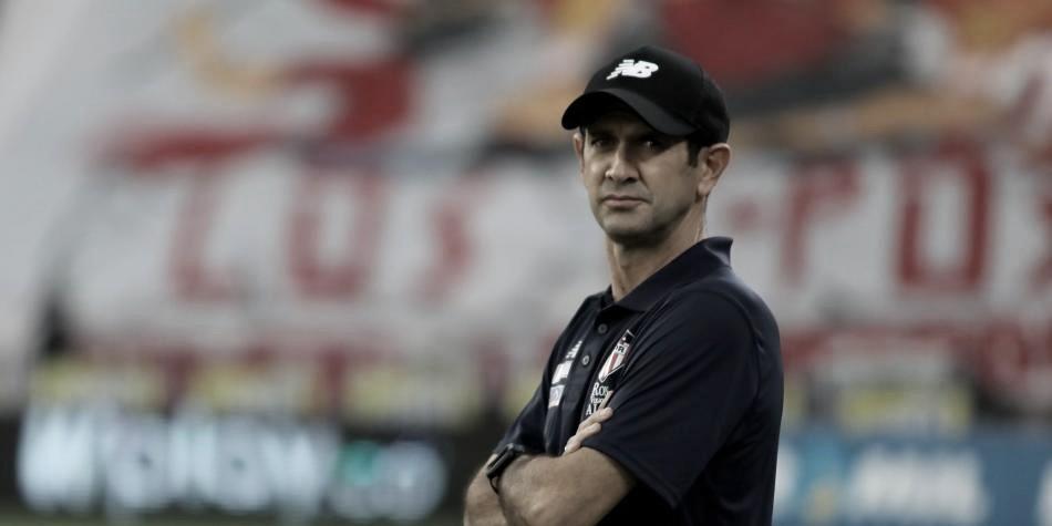 """Arturo Reyes: """"Hicieron un gran juego y como entrenador estoy contento"""""""