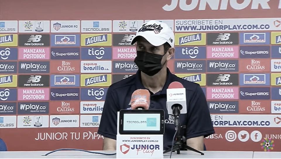 """Arturo Reyes: """"Los tres puntos nos tienen en una buena posición"""""""