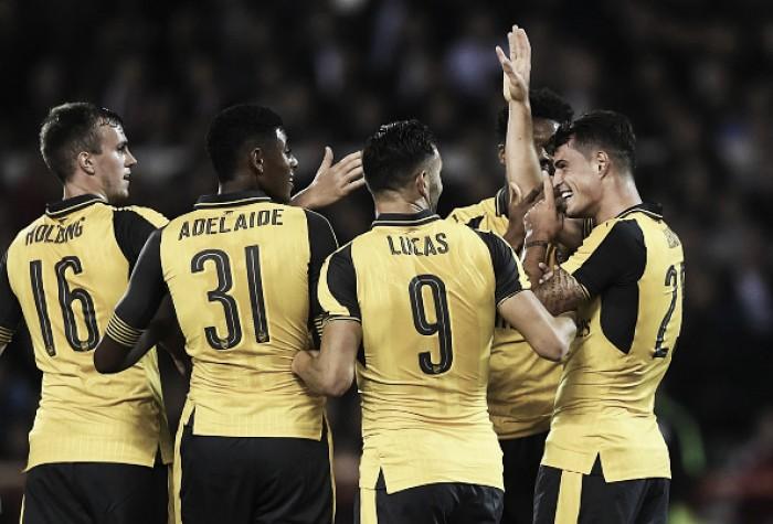 Lucas Pérez marca dois e Arsenal elimina Nottingham Forest da EFL Cup