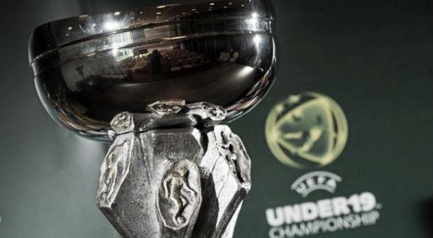 Meias-finais do Europeu Sub-19: Grécia bate-se com Rússia, França enfrenta Espanha