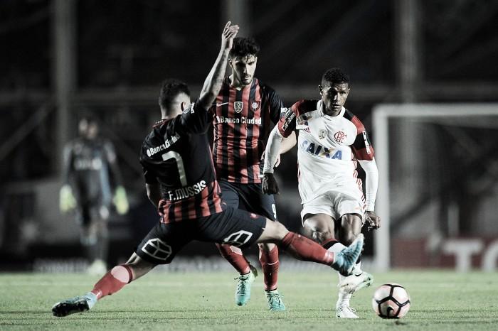 San Lorenzo vira nos acréscimos, garante vaga nas oitavas e elimina Flamengo da Libertadores