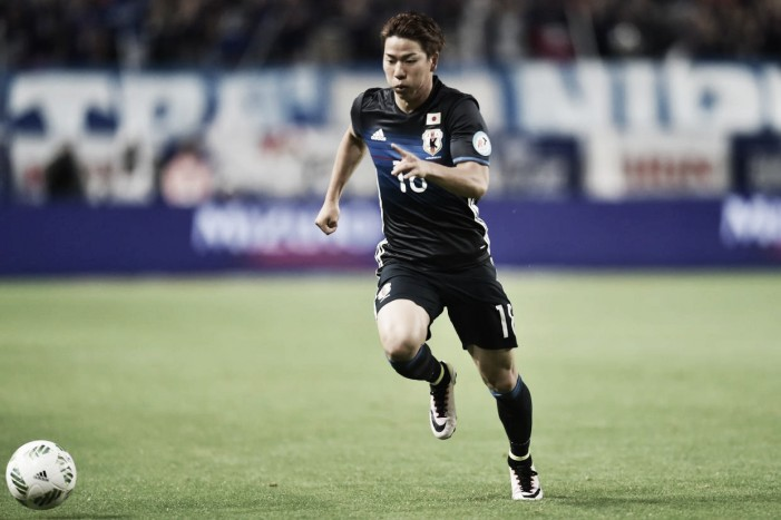Arsenal confirm the signing of Takuma Asano