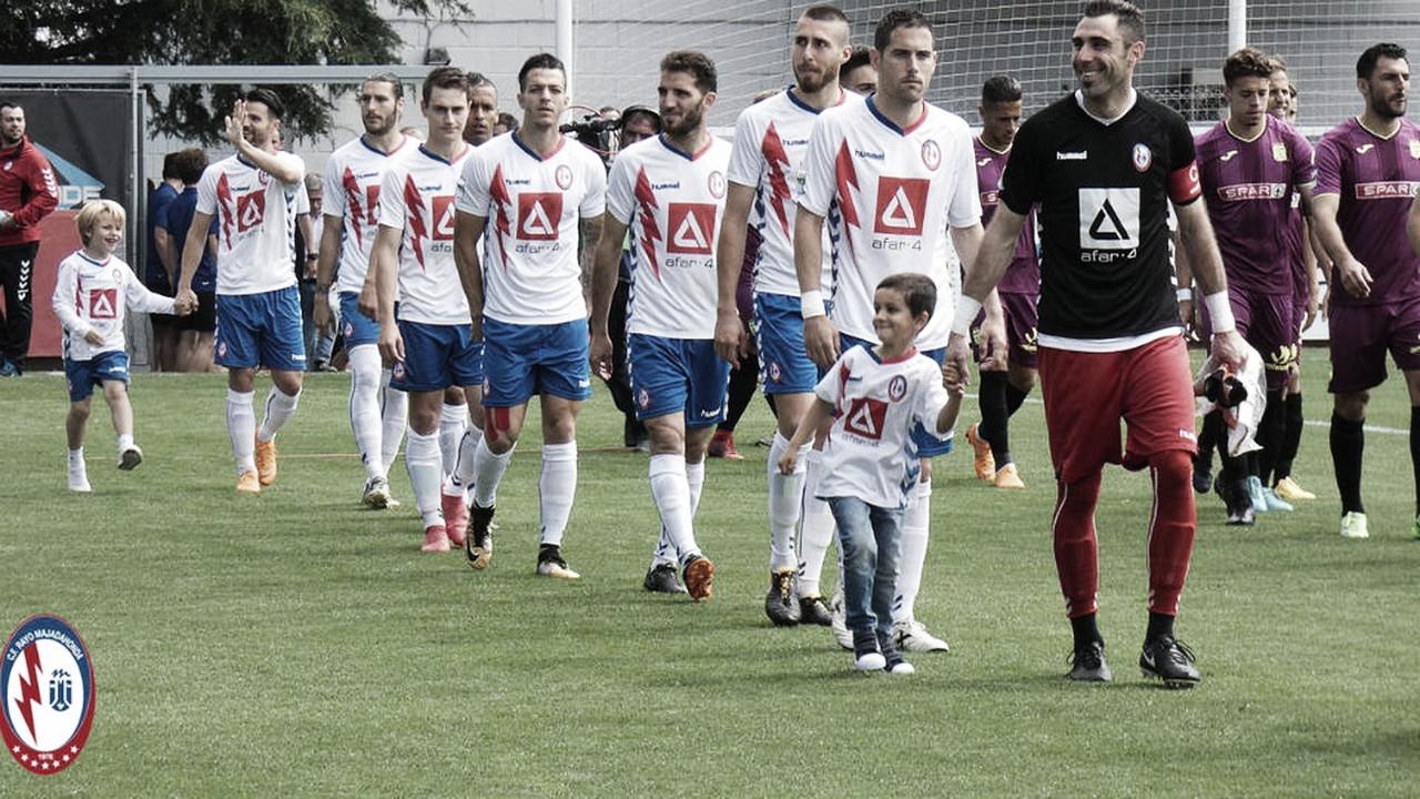 El Rayo Majadahonda celebra su primer año en el fútbol profesional