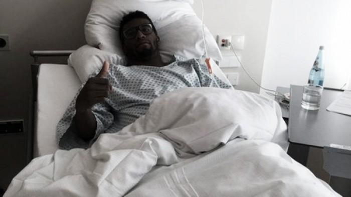 Carlos Ascues fue operado con éxito de la rodilla